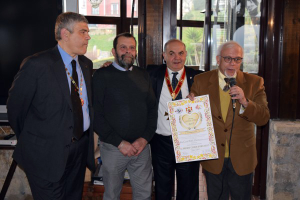 Napoli – Templari – Premio Cuore d'Oro al Prof. Danise, President del Club Unesco Napoli
