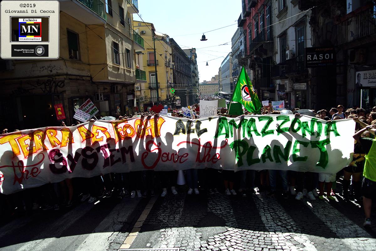 Napoli – #Fridayforfutre tutti insieme per evitare il Climate Change
