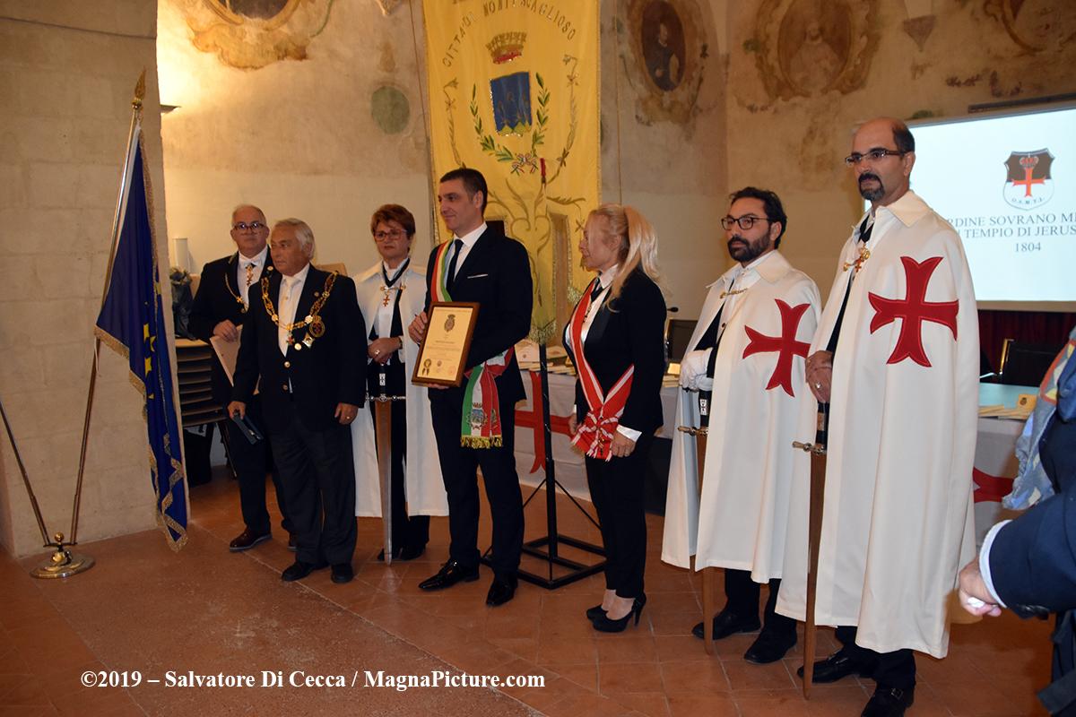 Montescaglioso (MT) – Consegnata la Medaglia di San Giovanni Battista al Gonfalone