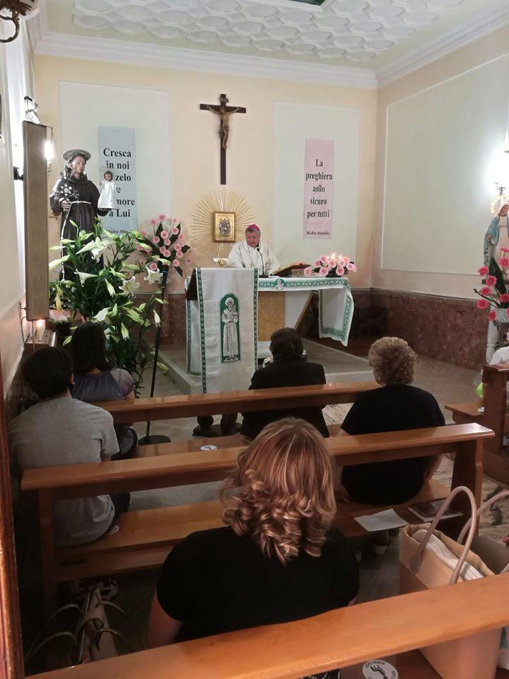 Acerra (NA) – Il Vescovo celebra Sant'Antonio da Padova alla presenza dei dignitati dell'OSMTJ e degli Angeli Templari