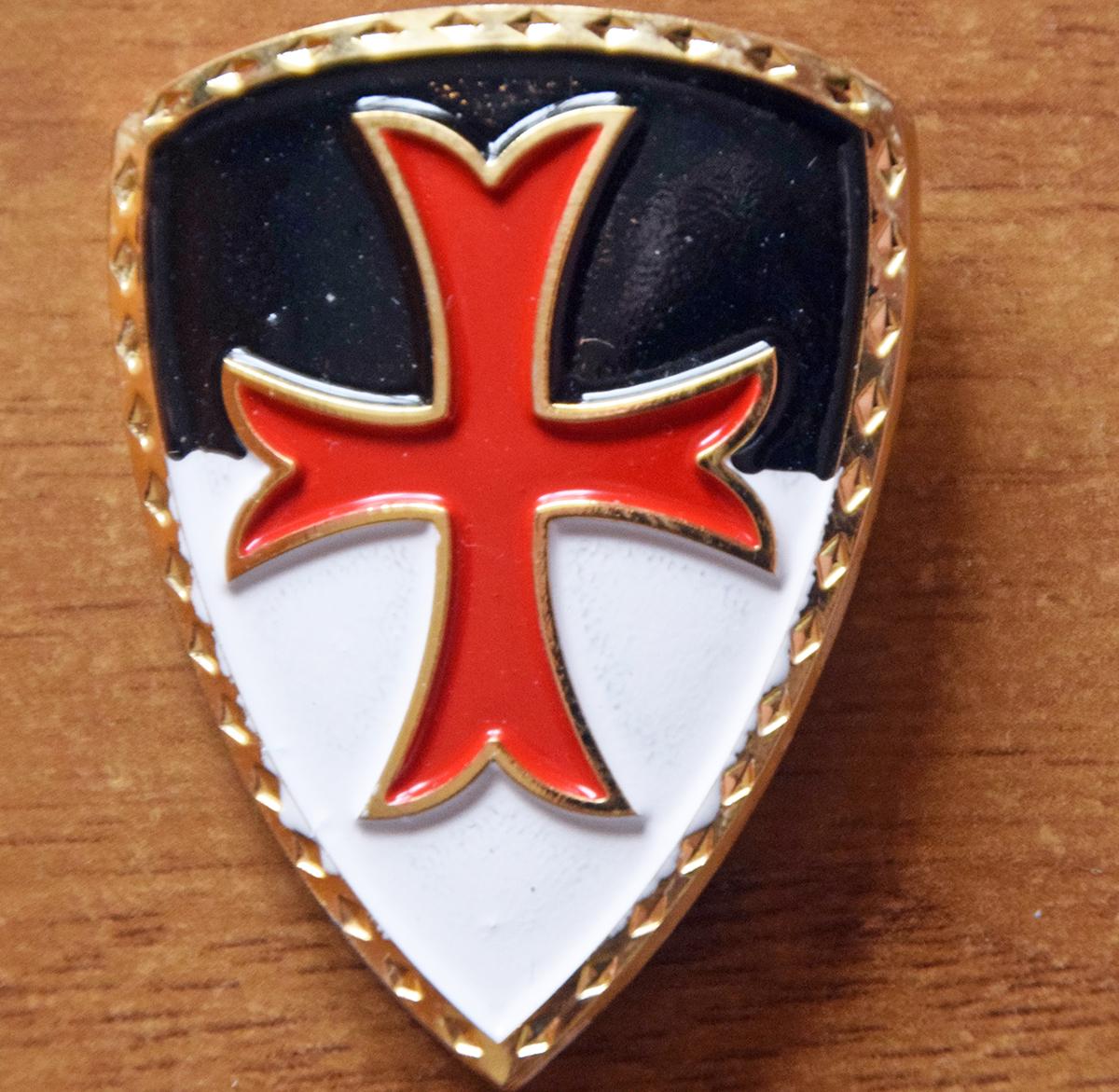 Lo scudo Templare da Mantello ed il significato simbolico